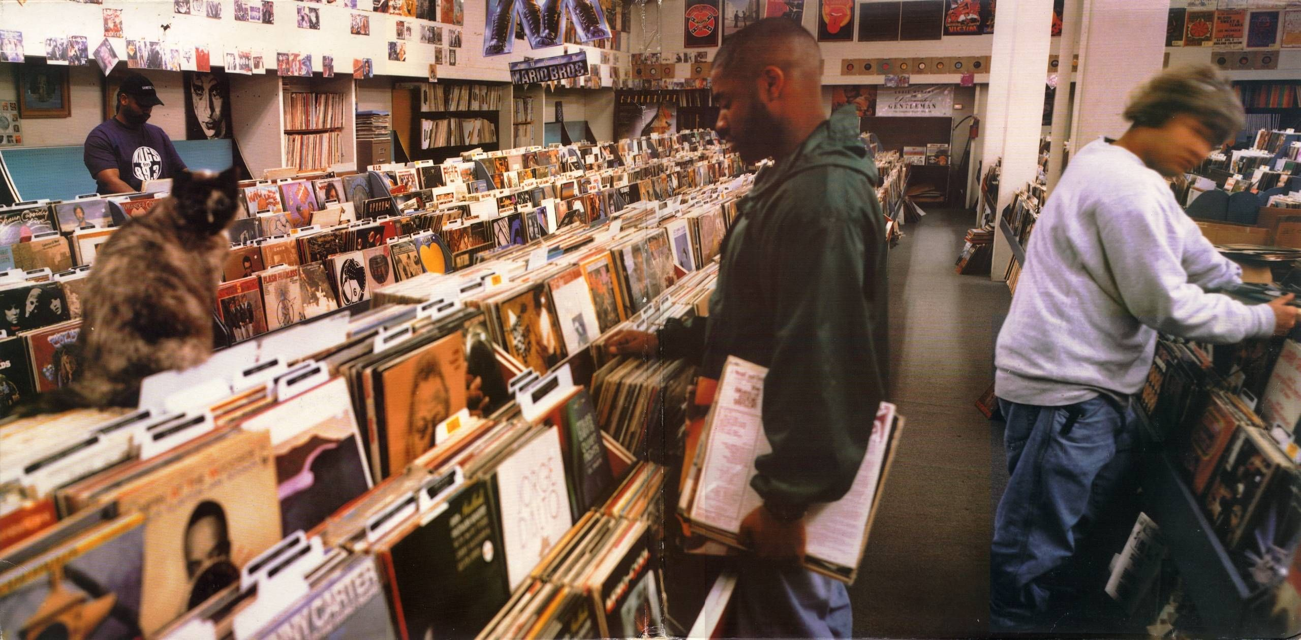 DJ-Shadow-Endtroducing-Crate-Digging