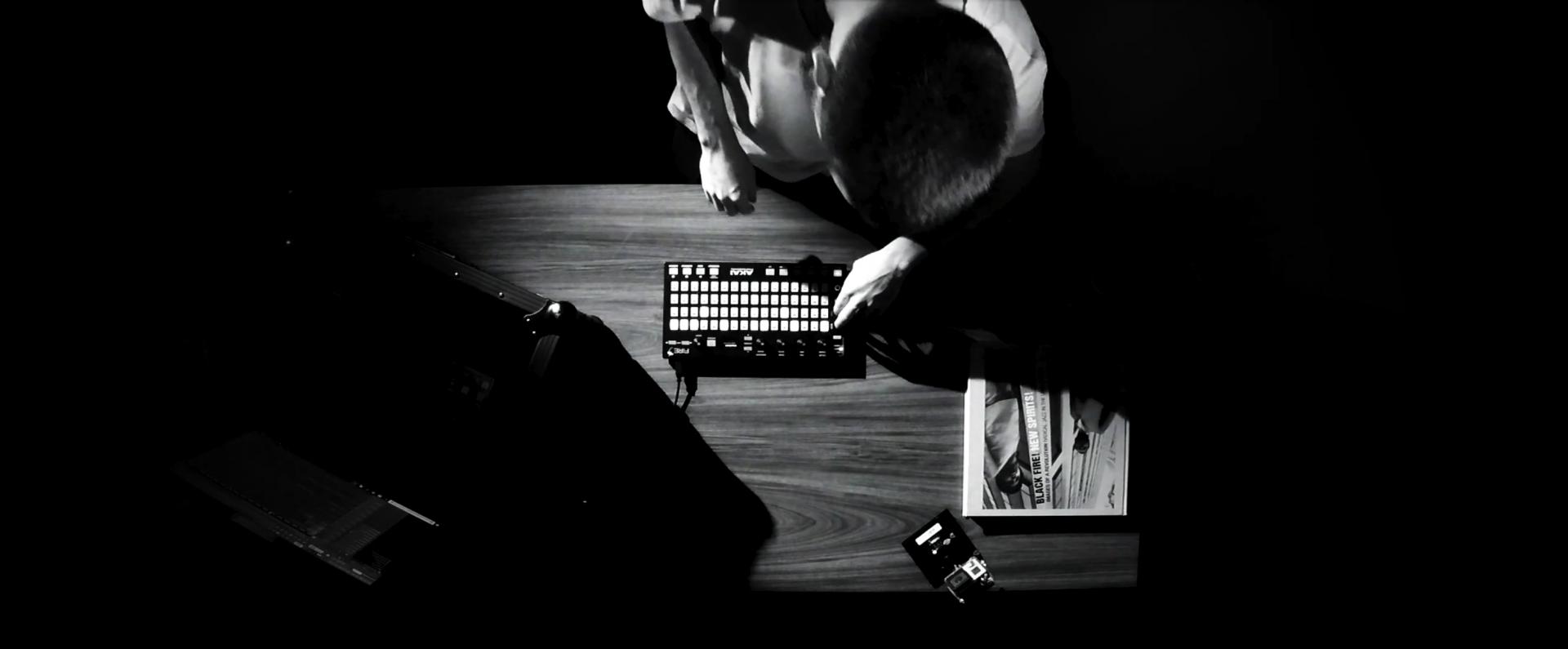 Endorphins Lab-Lowie-Beats-Live