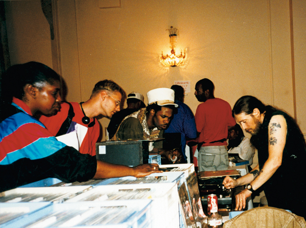 Video: The Roosevelt Years (90s Record Convention)
